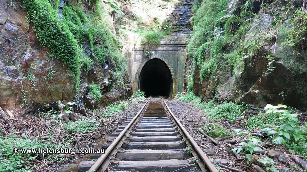 Metropolitan Tunnel Helensburgh 004